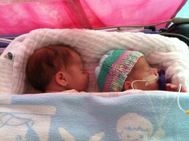 sonntagsfrage in welcher schwangerschaftswoche wurden eure zwillinge geboren. Black Bedroom Furniture Sets. Home Design Ideas